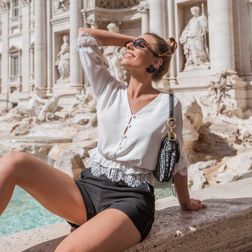 Blusa com Renda Chantilly Off-white