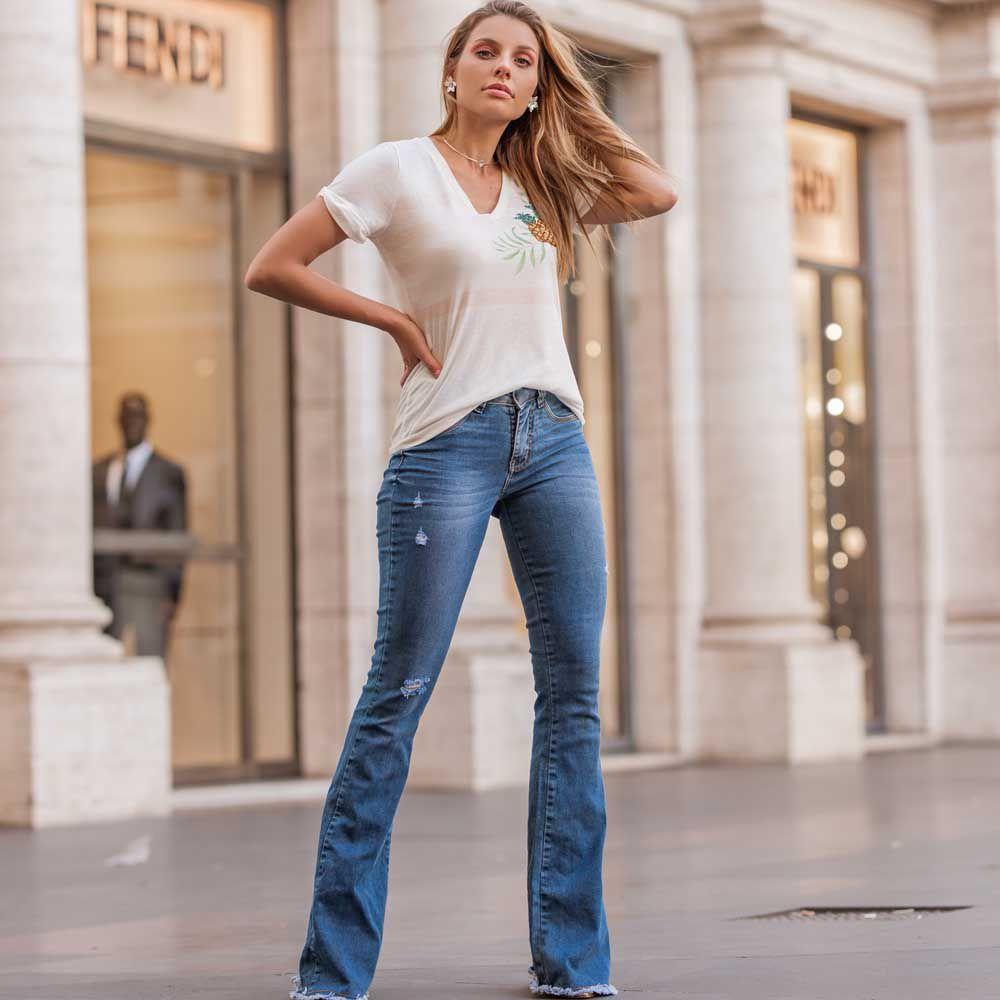 Calça Jeans Flare Lavagem Clara Azul