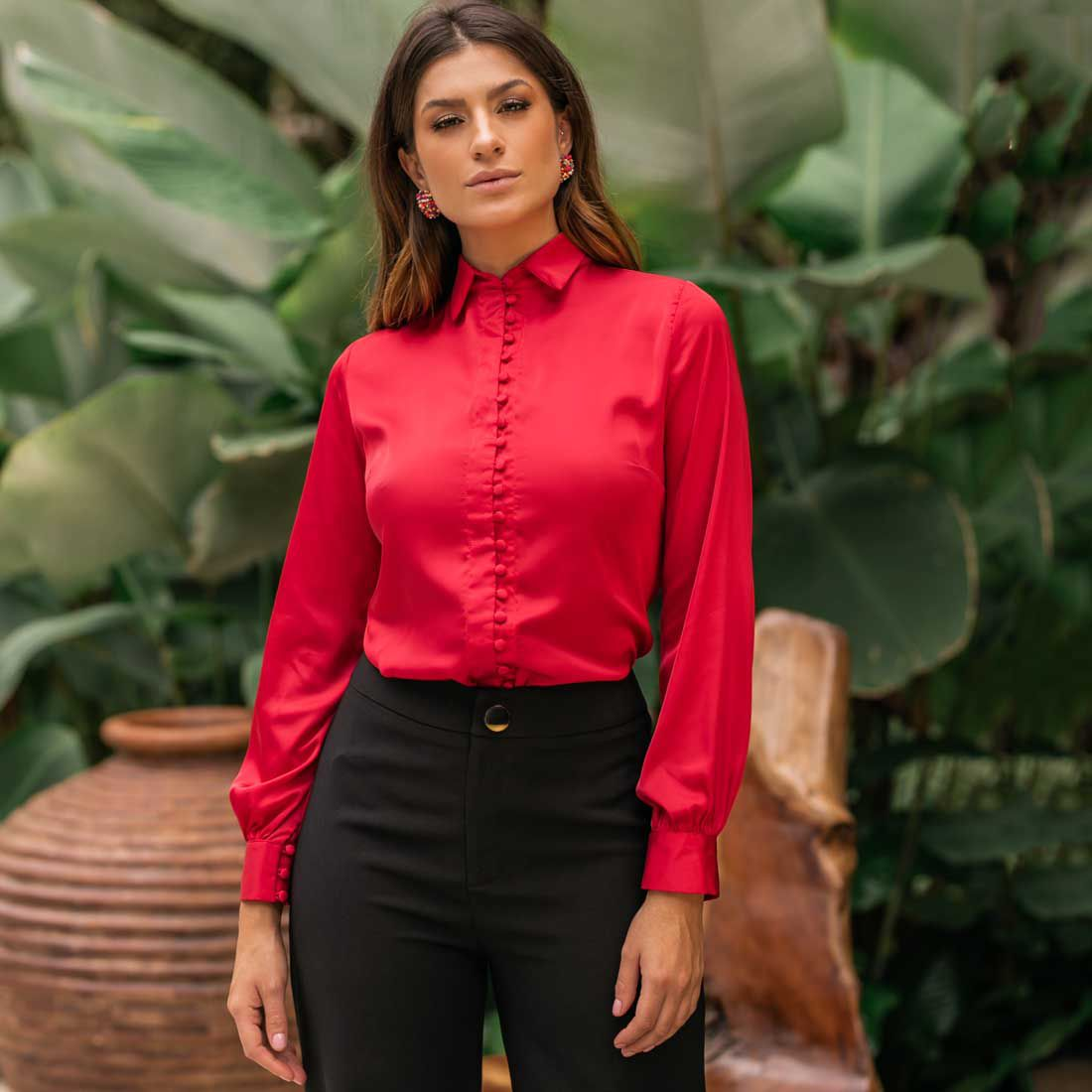 Camisa com Fechamento Frontal Vermelha