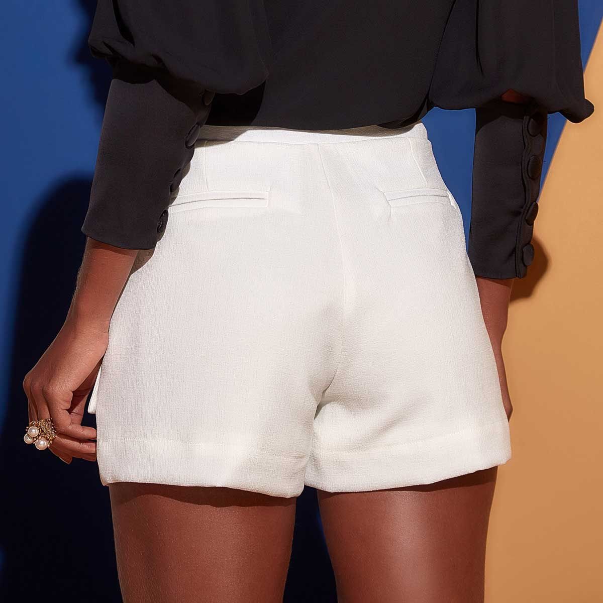 Short com botões Off White