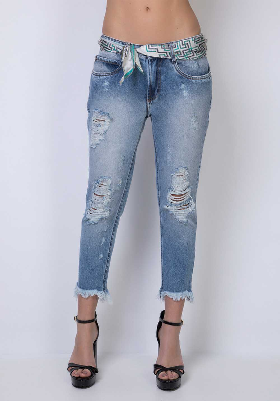 Calça Jeans Destroyed Boyfriend Lança Perfume