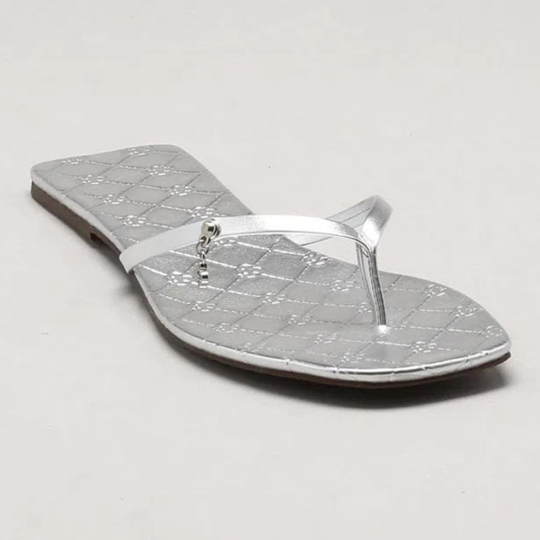 Chinelo Rasteira Monograma Metalizado Capodarte
