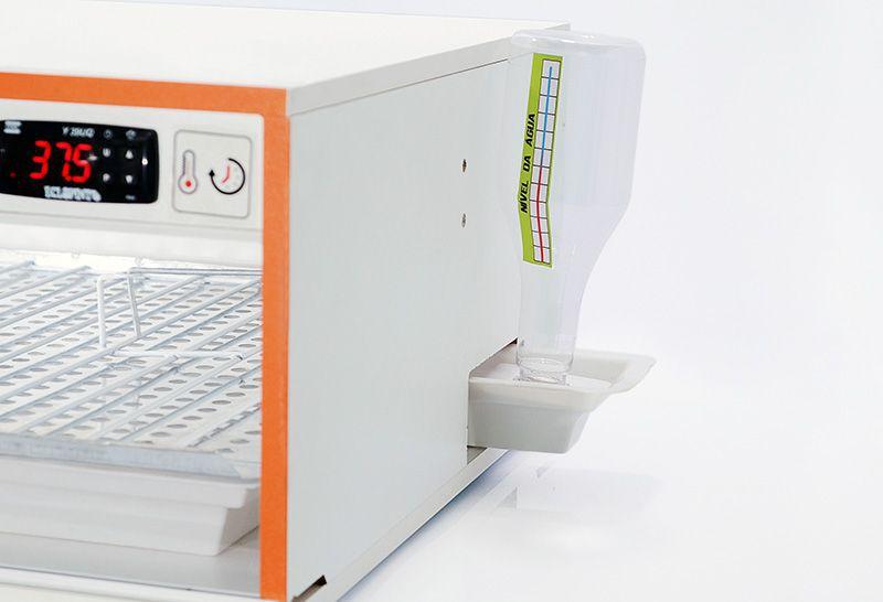Chocadeira 120 Ovos + Ovoscópio + Kit Automático De Água.