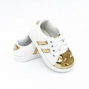 Tênis Streetwear Branco e Dourado