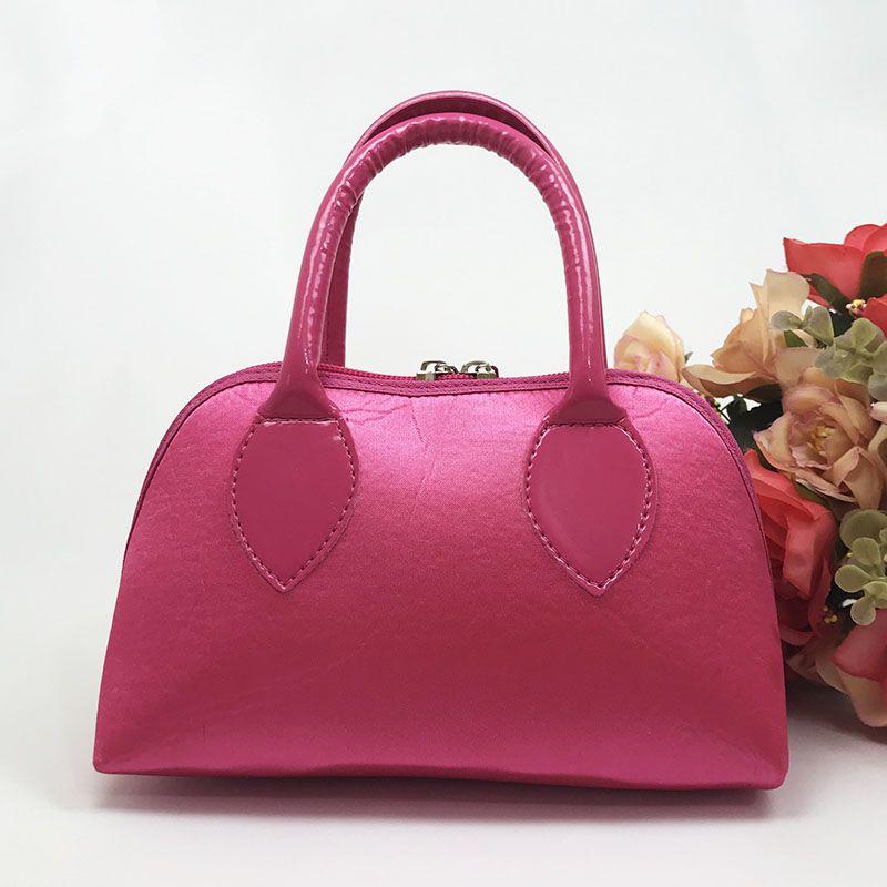 Bolsa Pink em Cetim