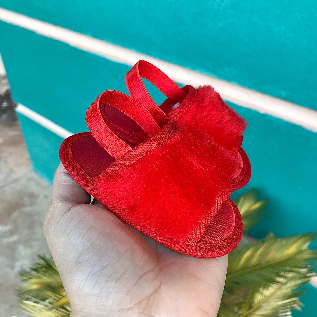 Chinelo Slide Vermelho em Pelúcia