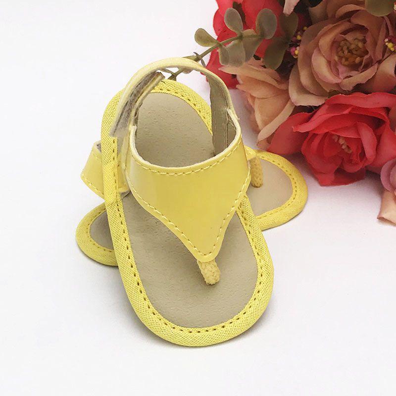 Sandália Amarela Em Verniz