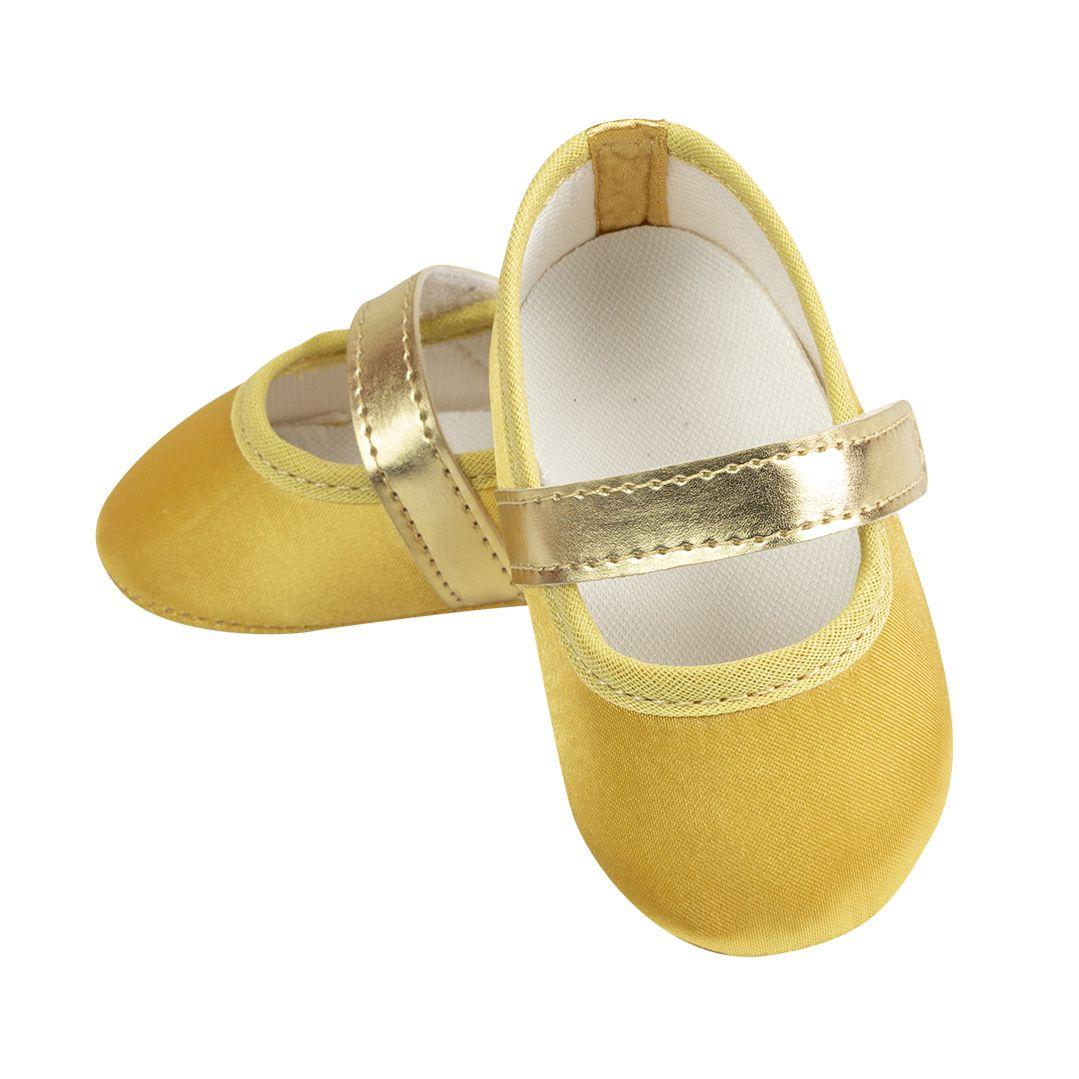 Sapatilha Dourada de Cetim com Fecho em  Velcro