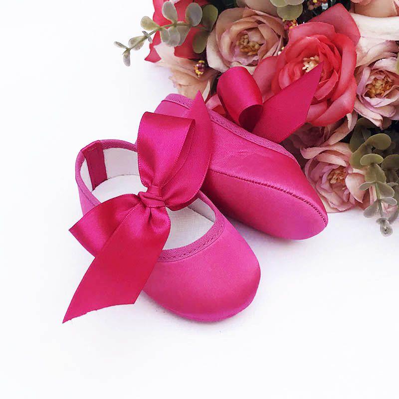 Sapatilha Pink de Cetim com Fecho em  Fita