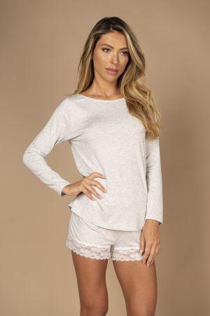 Pijama em viscose com blusa de manga comprida e short