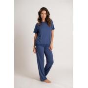 Pijama em viscose com blusa de manga curta com detalhe em renda e calça