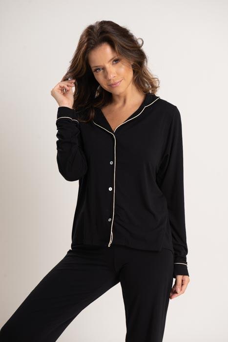 Pijama de manga e calça comprida em viscose com detalhes em vivo