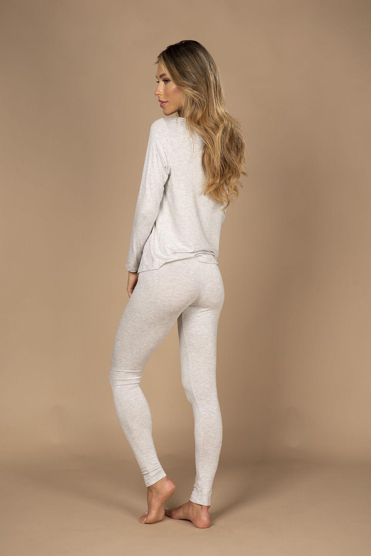 Pijama em viscose com blusa de manga comprida e calça legging