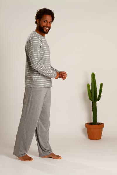 Pijama masculino em viscose listrada