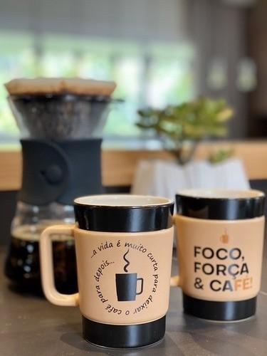 Caneca De Cerâmica Coffee To Go ''Vida Curta'' 300Ml - Pardo Fosco Ceraflame