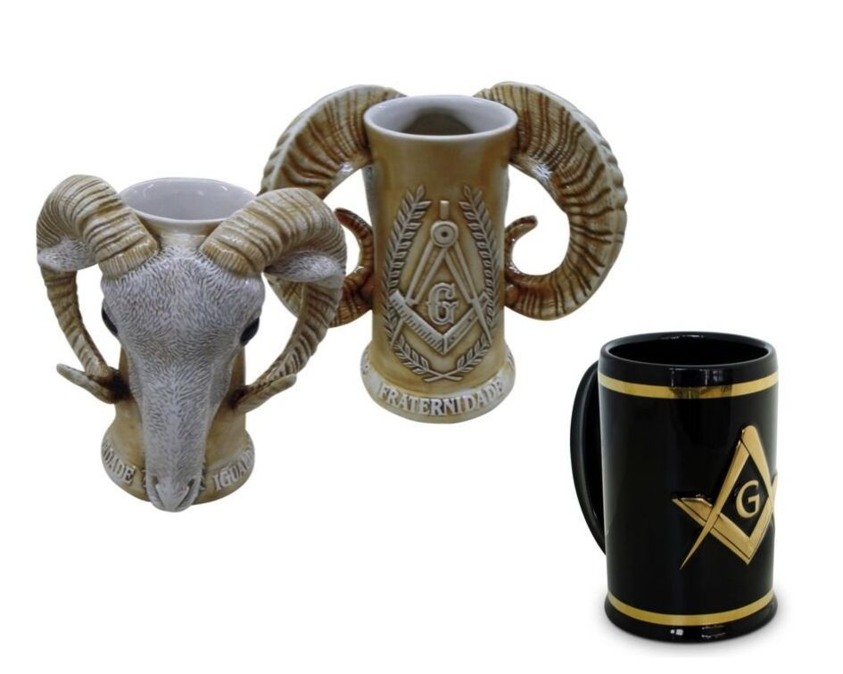 Conjunto De Canecos De Cerâmica Bode E Ouro Maçonaria Mondoceram
