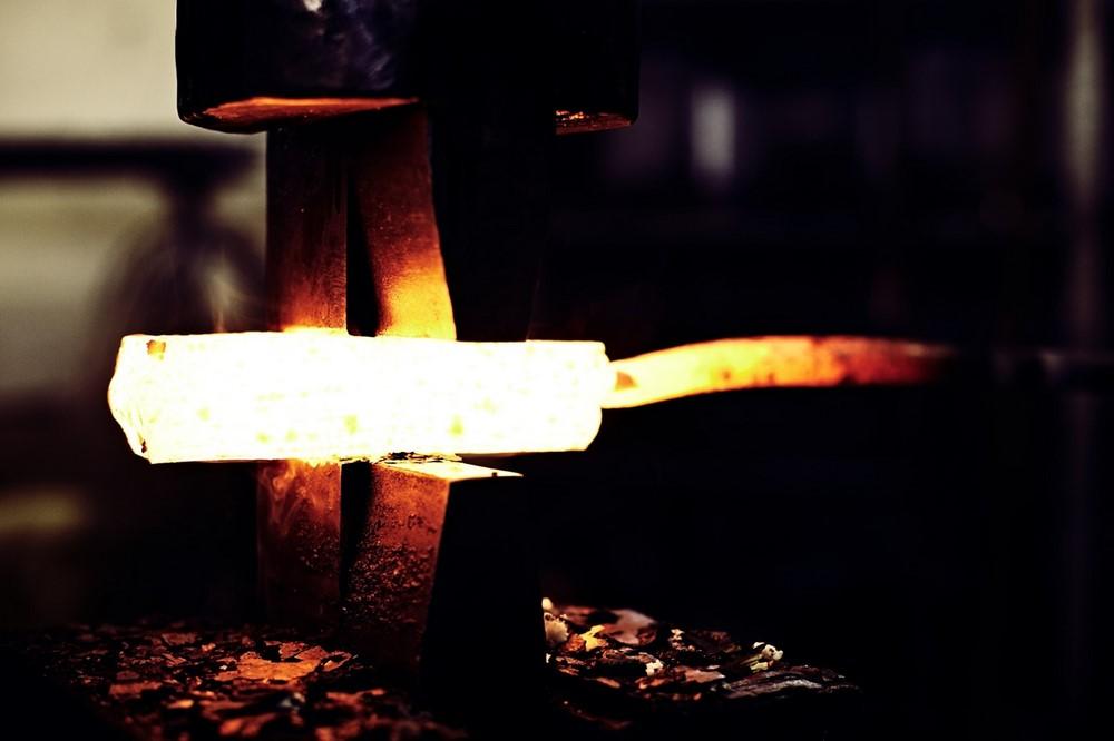 Faca Artesanal Santoku Hohenmoorer Tripla Camada De Aço Carbono 16,5Cm