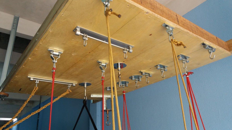 Balanço Seguro e Silencioso perfil U c/ furos - zincado (capacidade 100 kg) - Fique em casa / instale em casa / brinque em casa