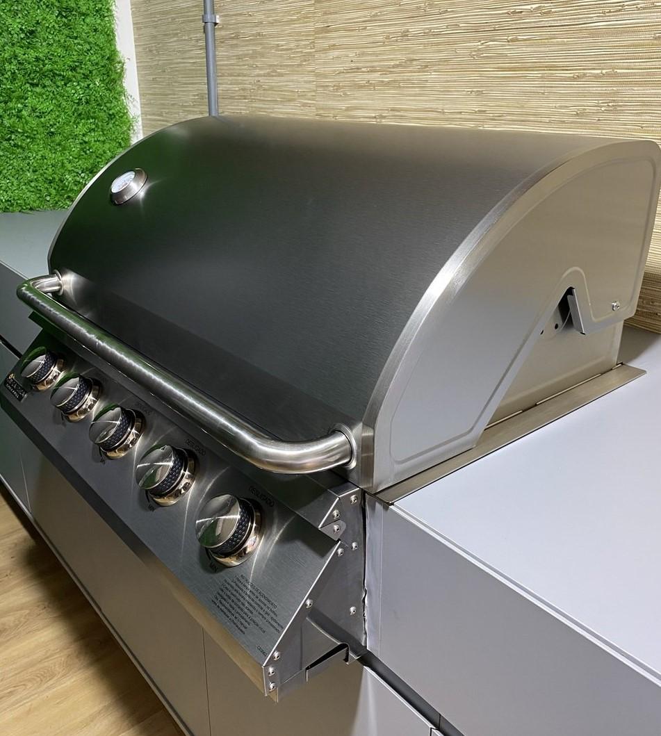 Churrasqueira à Gás Embutir Mikazza Pro 5 Combo + Chapa de Ferro Fundido