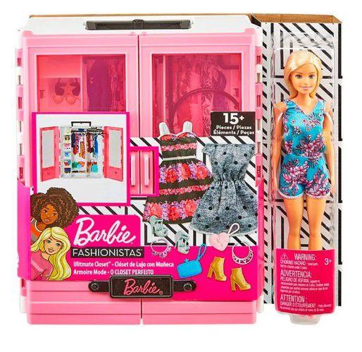 Barbie Fashionistas Closet de Luxo e Acessórios - Playset e Boneca