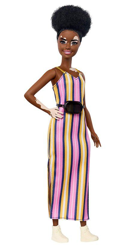 Boneca Barbie Fashionistas - 135 Vitiligo Vestido Longo Listrado