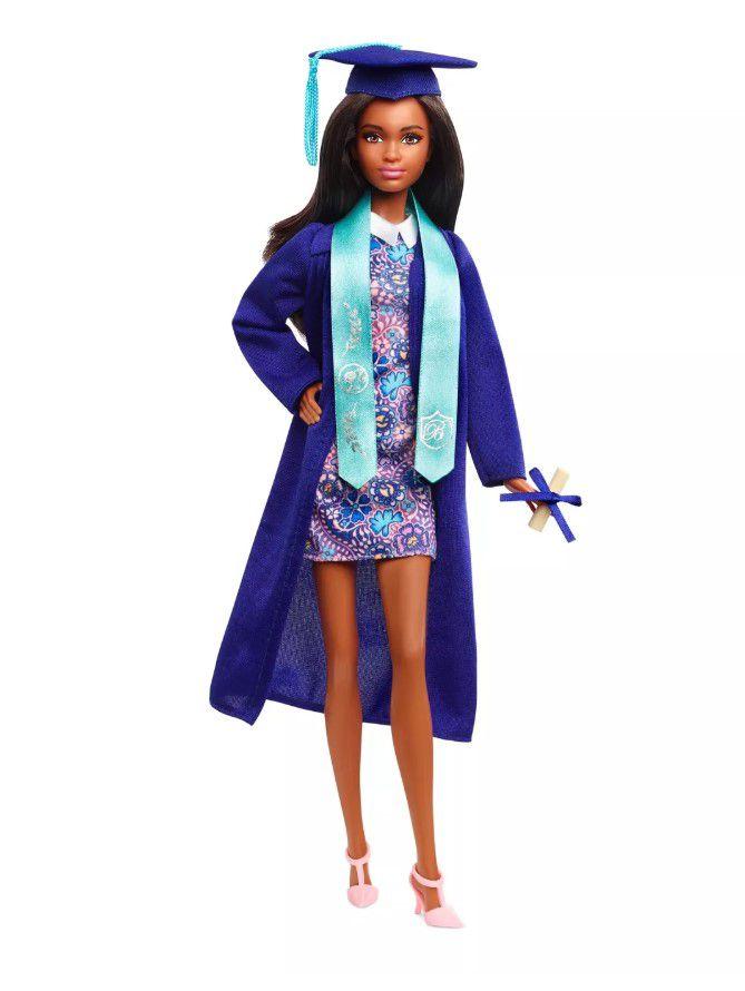 Boneca Barbie Signature Graduation Day Nikki