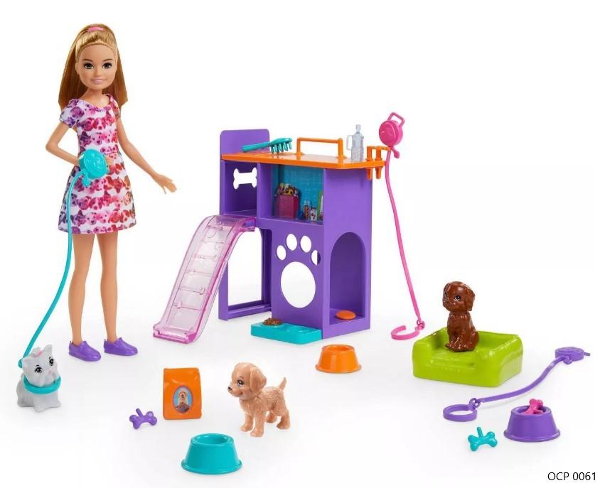 Boneca Barbie Team Stacie Filhotes e Playsets - Mattel