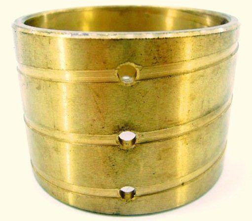 Bucha  caixa eixo transmissão Valmet 65 a 785 bronz externo