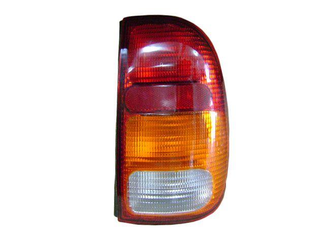 Lanterna traseira Saveiro 1997 a 2000 direito tricolor