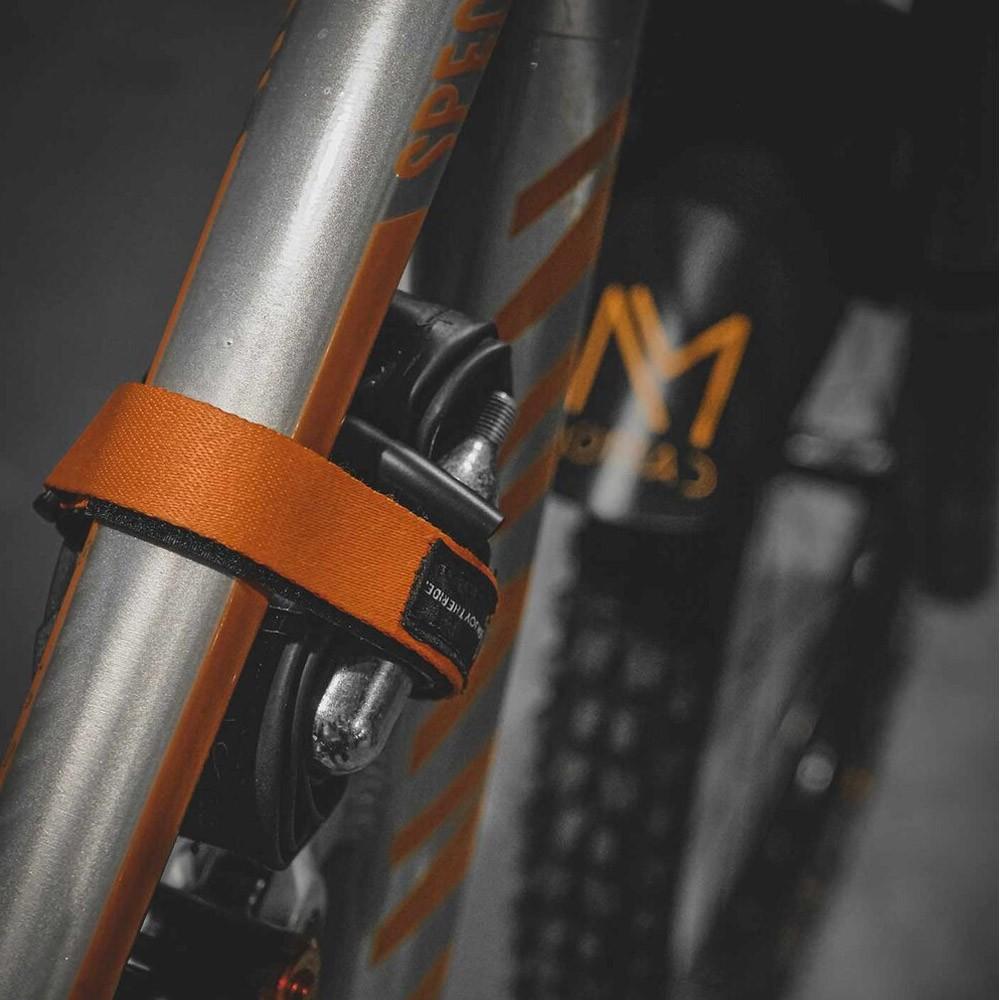 Wrap Nomad 2.0 Fita Para Guardar O Kit Reparo Da Bicicleta Laranja