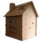 Casa de papelão grande com chaminé