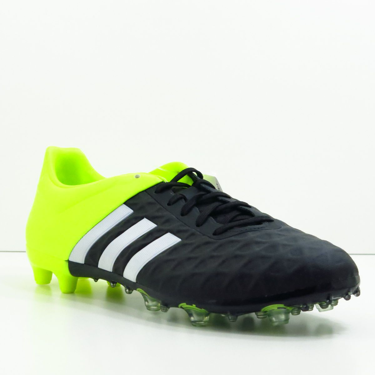 Chuteira Adidas Ace 15.2 FG