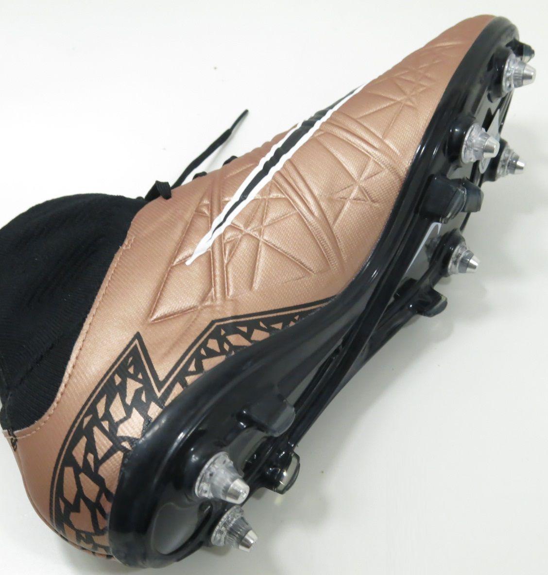 Chuteira Nike Hypervenom Phatal SG-Pro Trava Mista