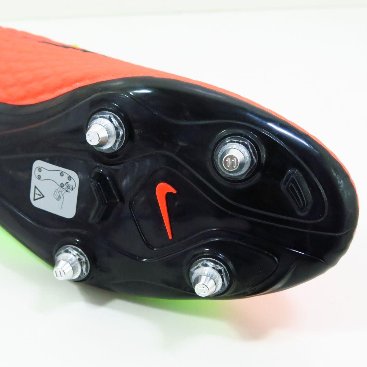 Chuteira Nike Hypervenom Phelon SG - 6 Travas
