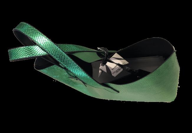 SCHUTZ - BOLSAS GRANDE COUROS FORN:S5001505340006