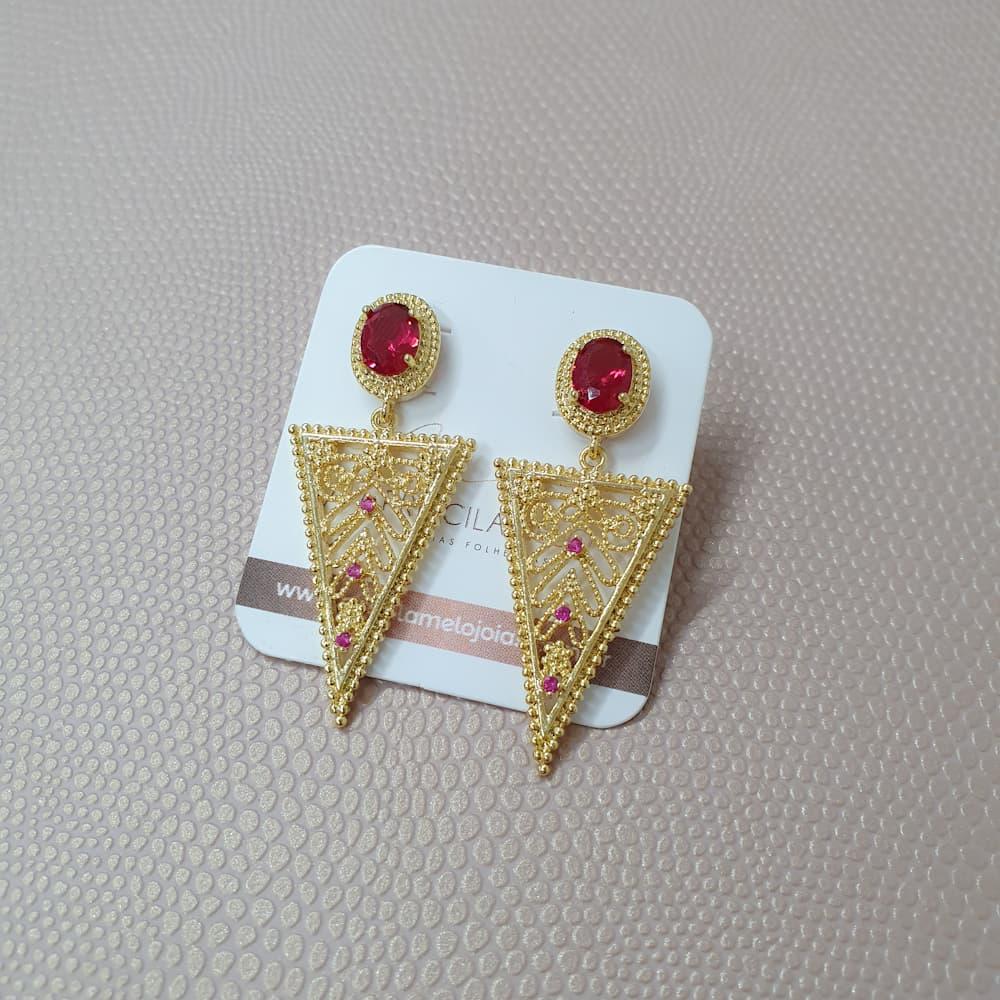 Brinco Triangular Com Zircônia Rosa Folheado a Ouro 18k