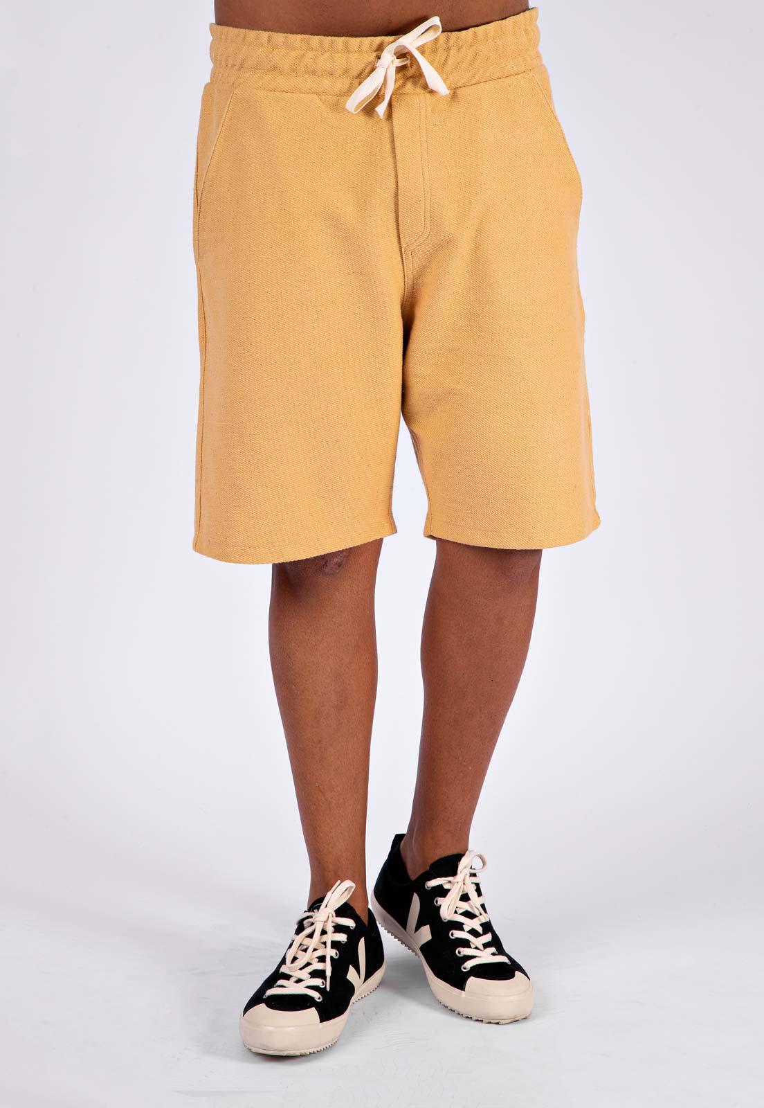 Bermuda Masculina Tingimento Natural Amarela