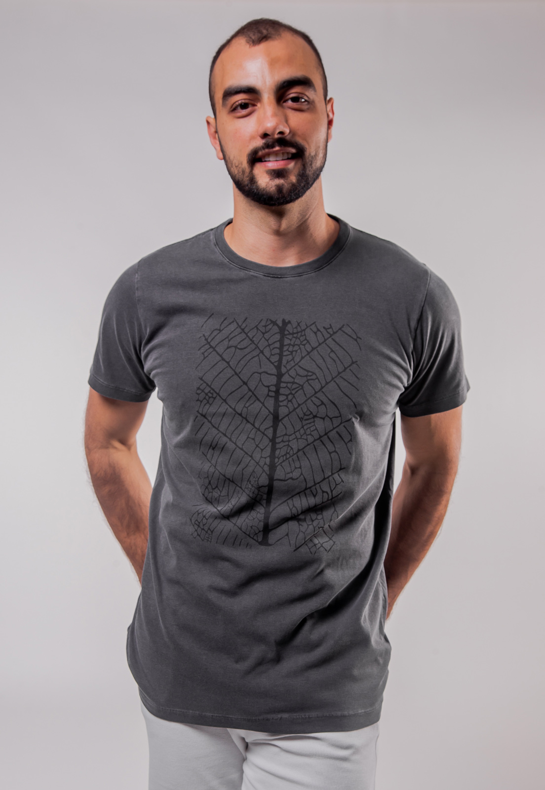 Camiseta Chumbo Estonada de Algodão Folha