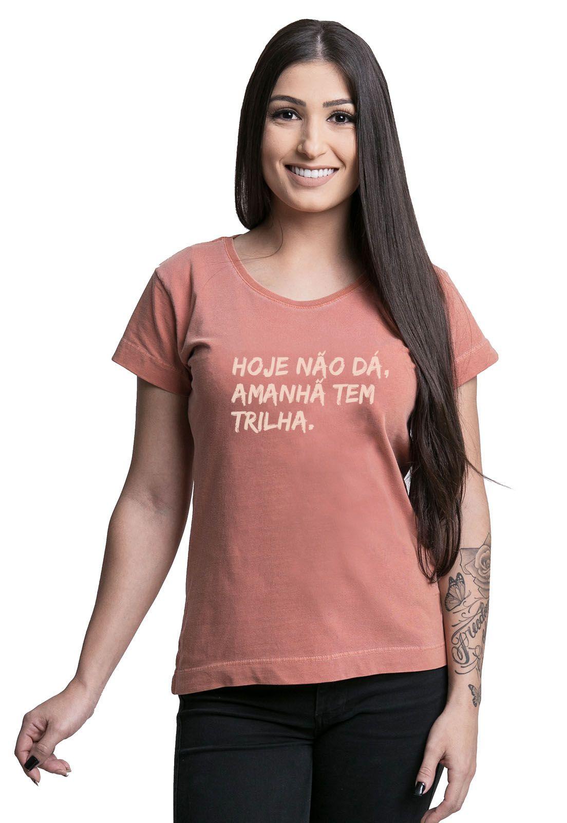 Camiseta Feminina Amanhã tem Trilha Laranja