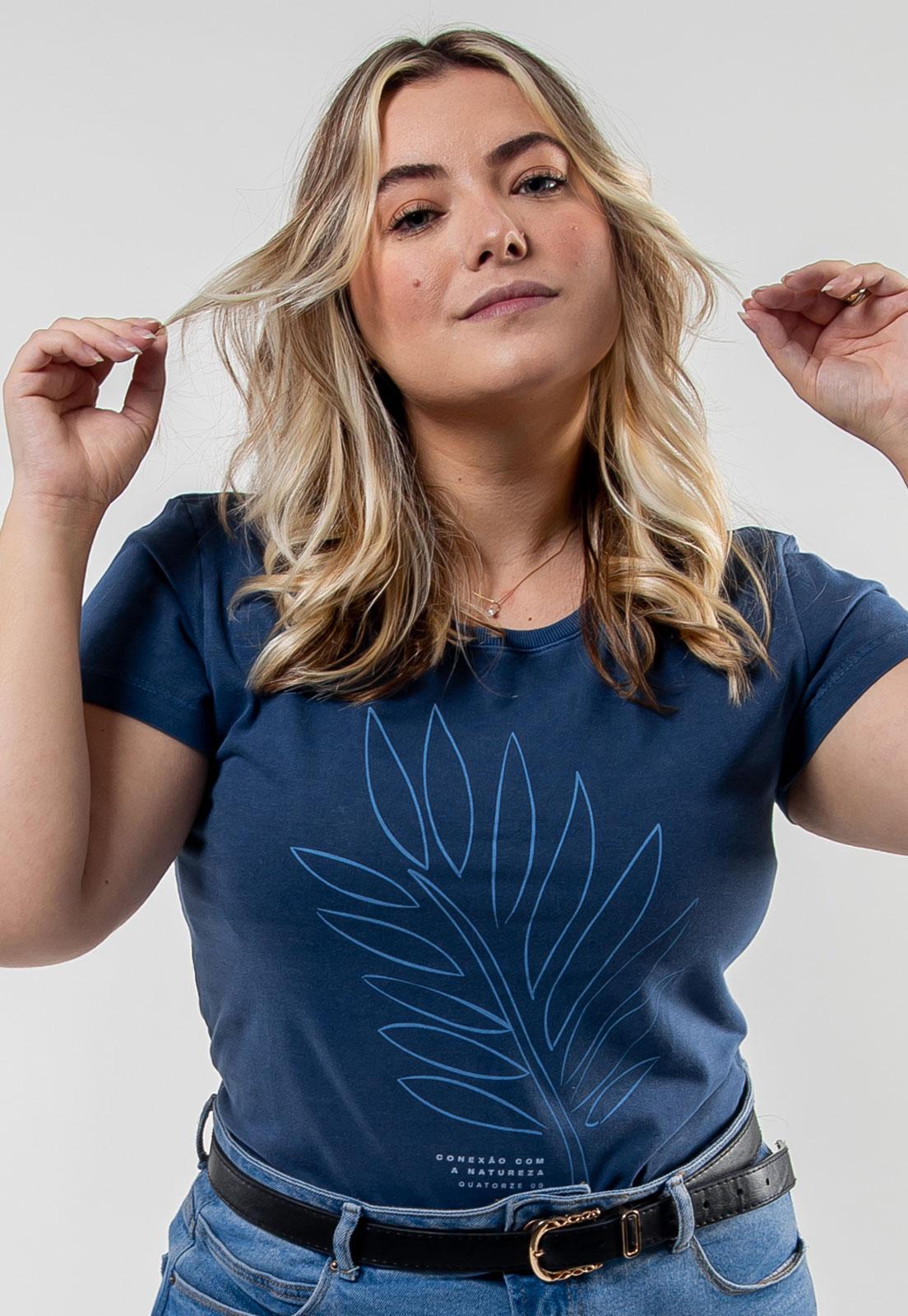 Camiseta Feminina Azul Escuro Estonado de Algodão Conexão Com A Natureza