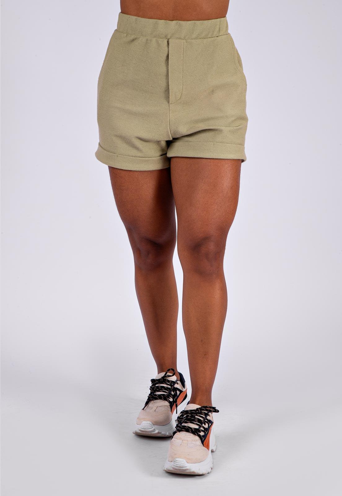 Shorts Feminino Tingimento Natural Verde Oliva