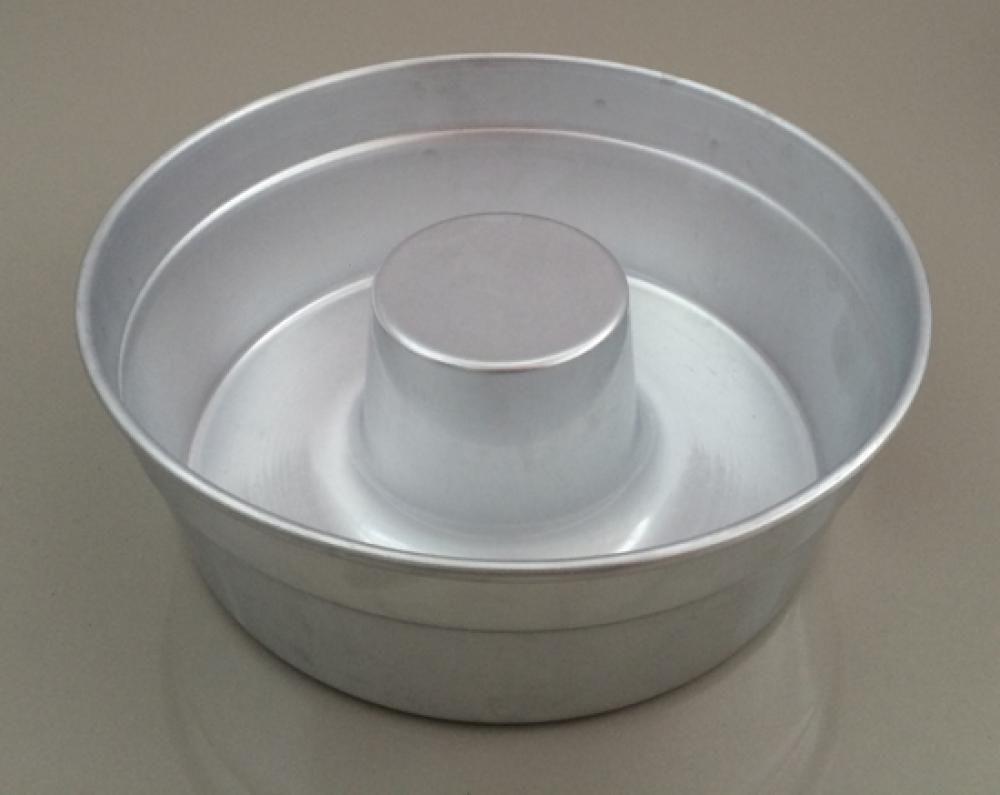 Forma de Bolo 25 cm - com Tubo - Royal  - Lojão de Ofertas