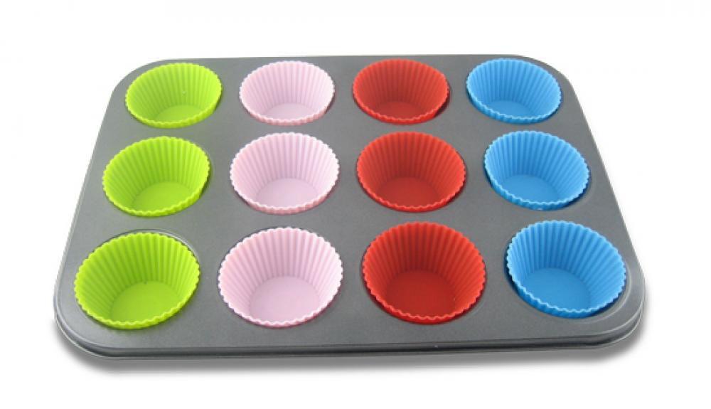 Forma para 12 Cupcakes Antiaderente com forminhas de Silicone - Malta  - Lojão de Ofertas