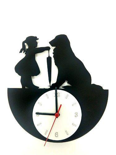 Relógio de Parede Menina Com Cão Linha Pet