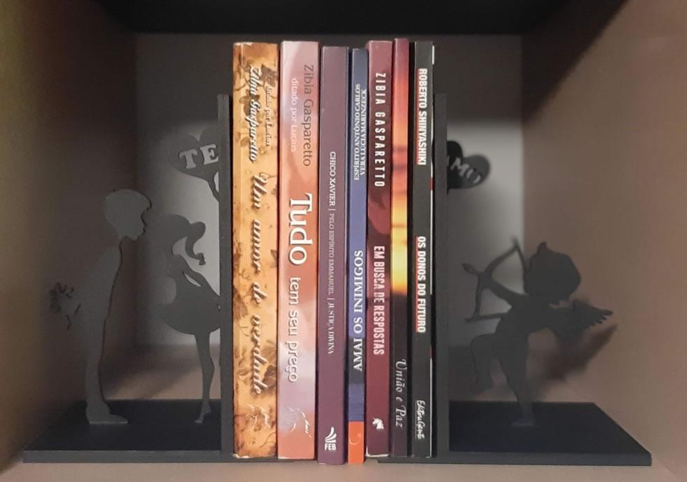Aparador de Livros Namorados MOD5