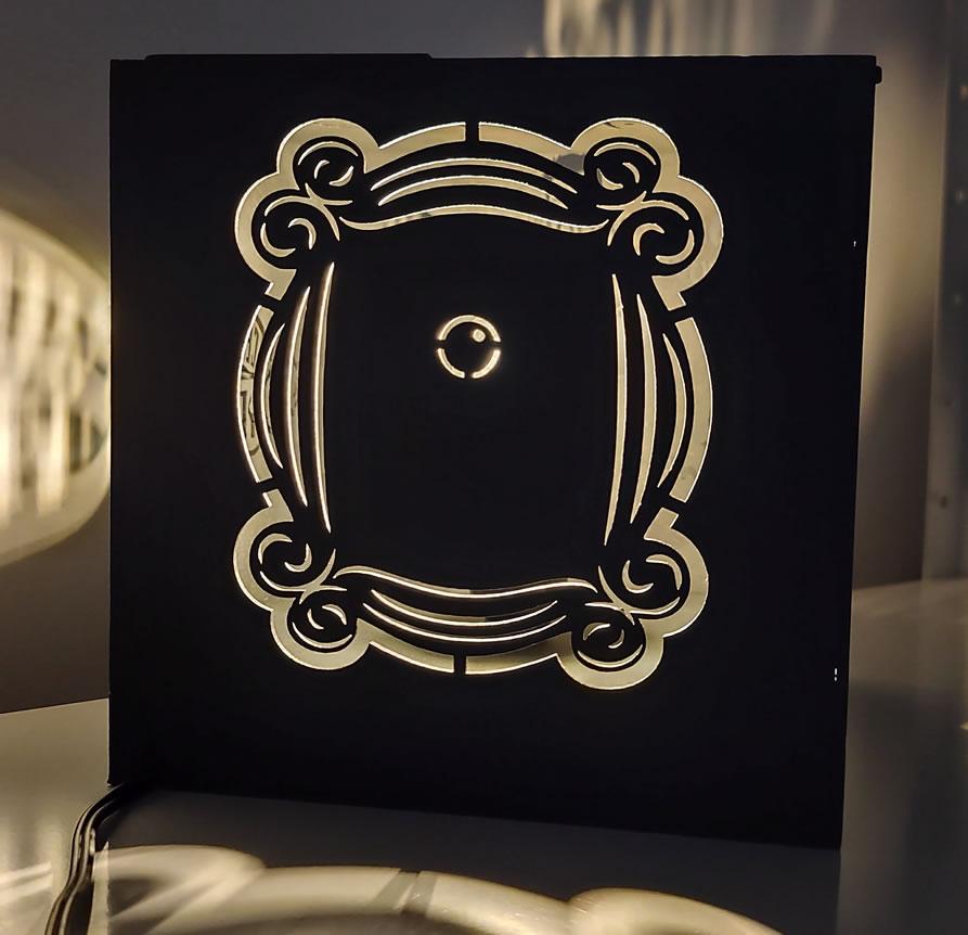 Luminária Abajur Cubo Preto Série Friends