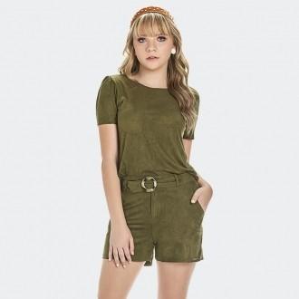 Conjunto Blusa e Shorts em camurça