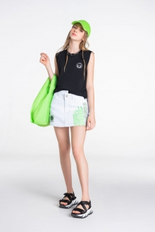 Shorts Saia Sarja com Estampa