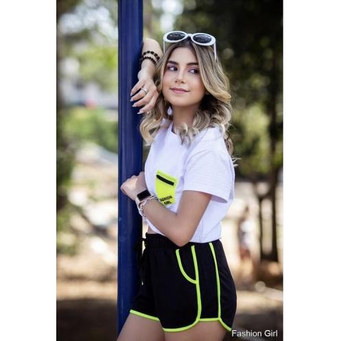 Blusa Cropped com Bolso Neon