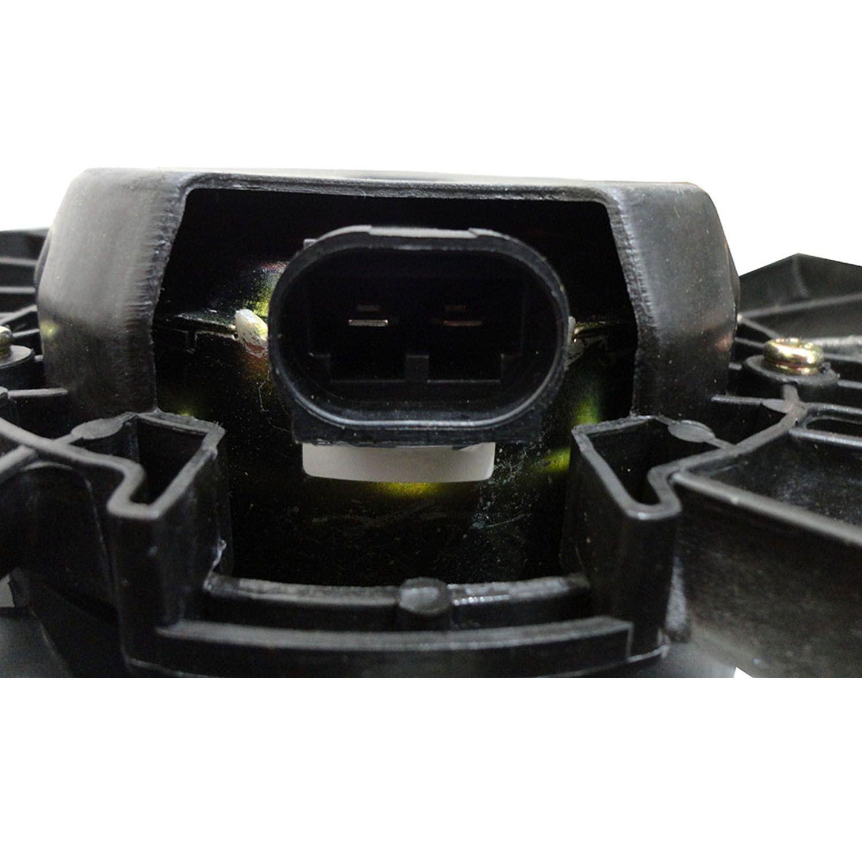 Ventoinha com Defletor do Radiador e Condensador Renault Duster